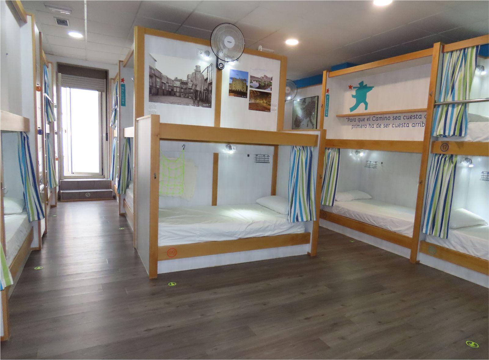 Literas - Bunk beds - Albergue Corredoiras