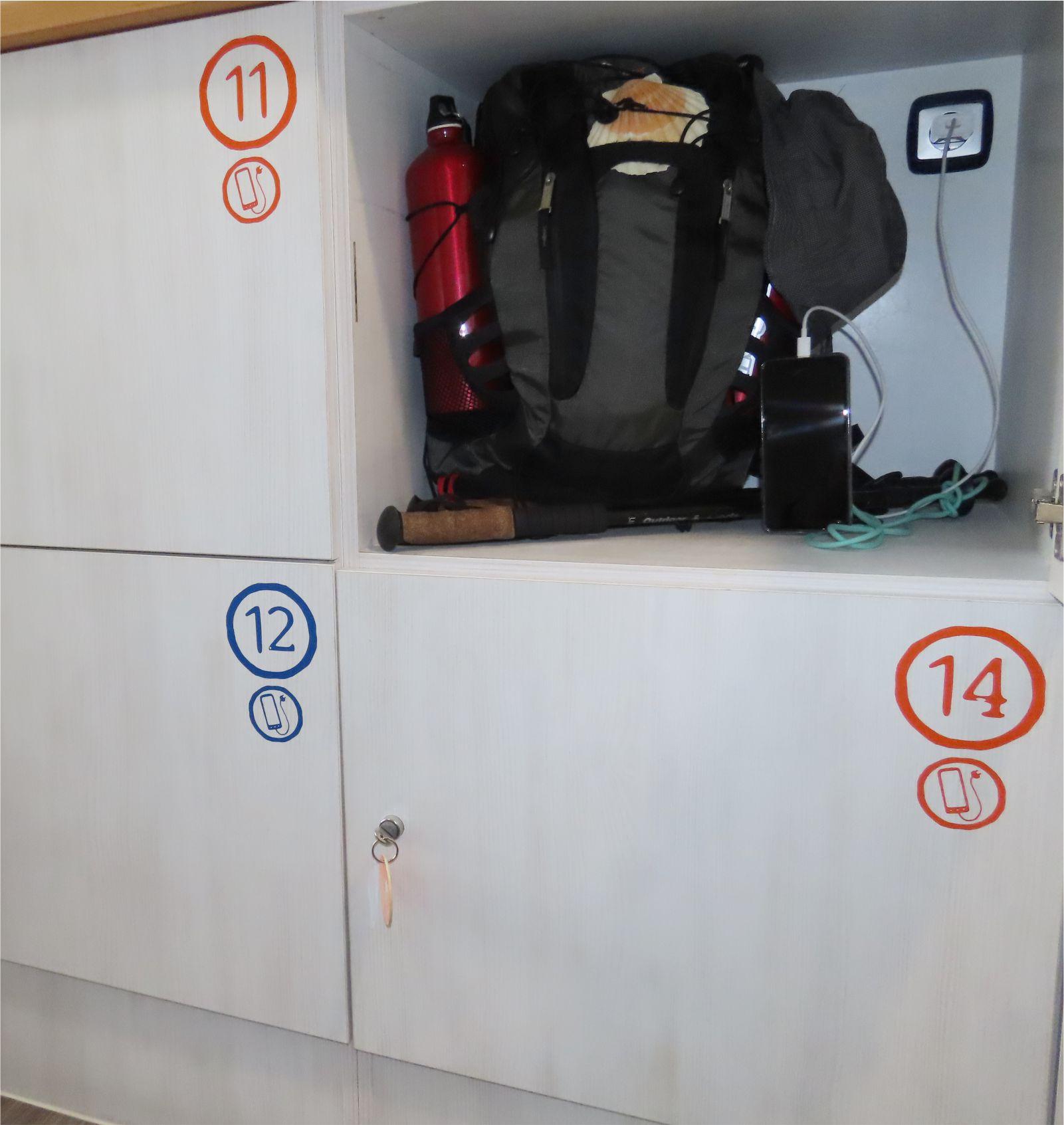 Taquillas con enchufe y llave - Lockers with plug and key