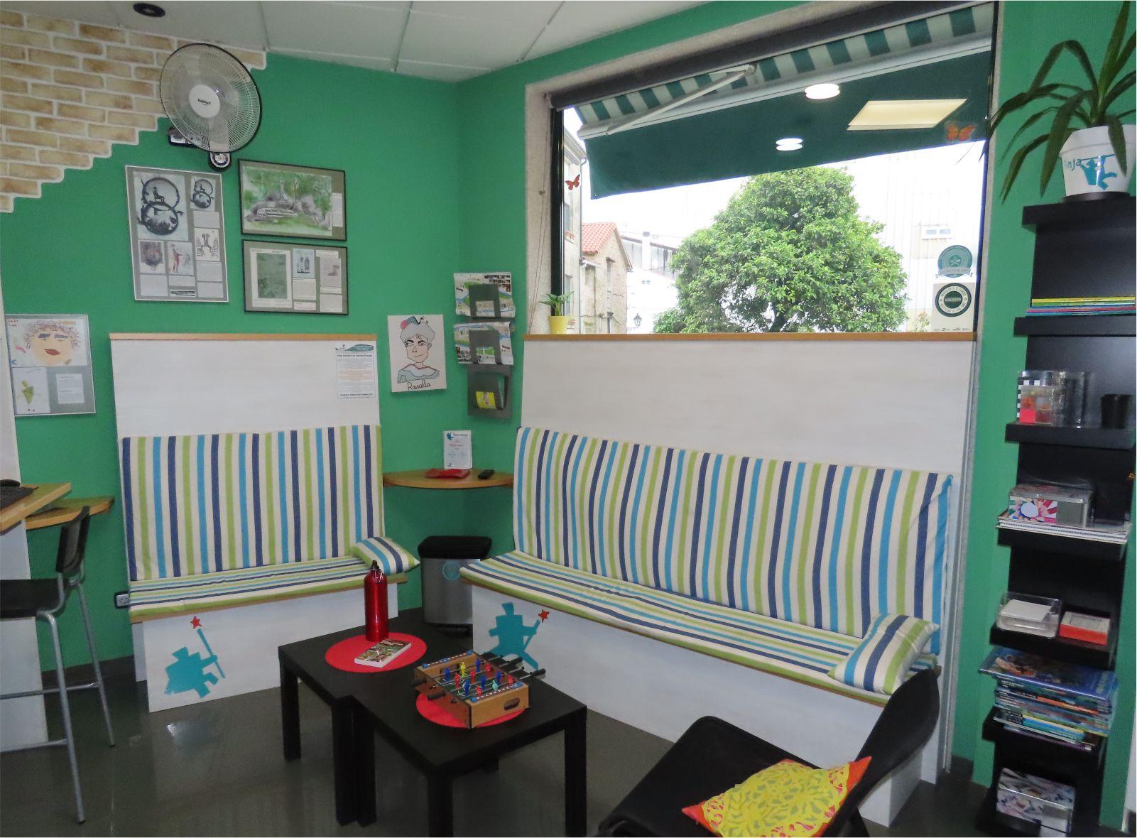 Sala de Estar - Livingroom - Albergue Corredoiras